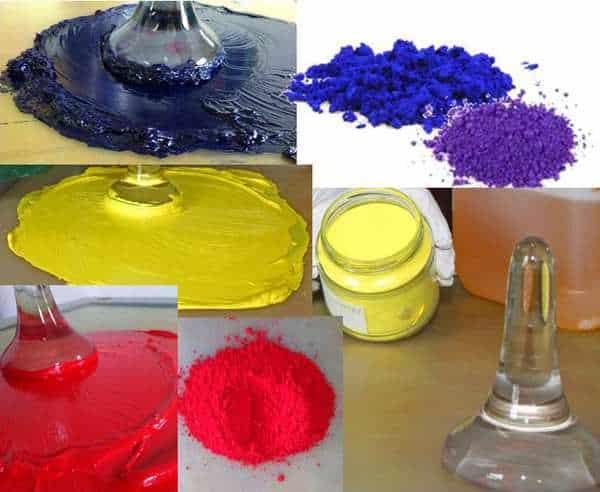 Farvepigmenter der blandes med linolie til kunstnerfarver i høj kvalitet. Her er det grundfarverne der bearbejdes med en glasløber