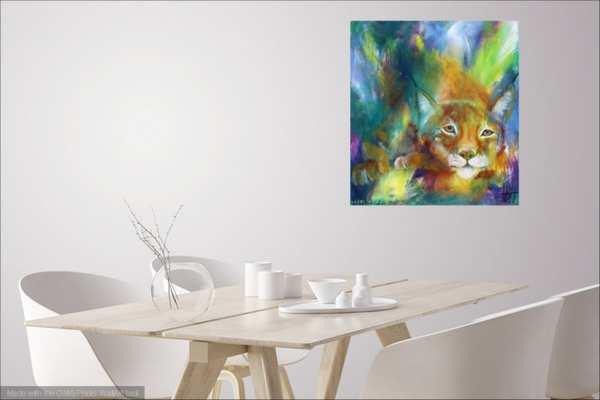 Farverigt maleri i et hvidt interiør