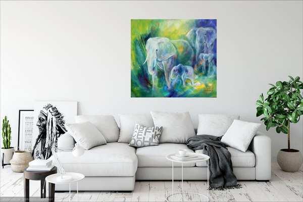 Malerier til stuen - Elefantmaleri over sofaen på den hvide væg