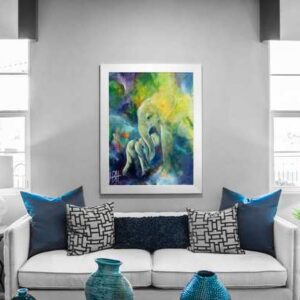Elefantmaleri i ramme over sofaen