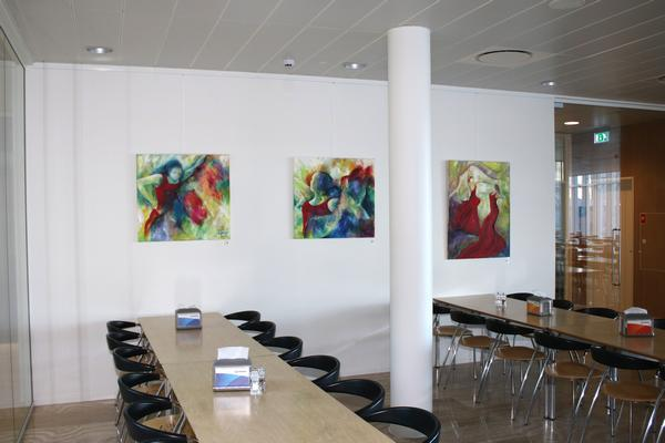 Maleri-udstilling i firma-kunstforening.