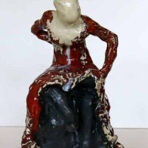 skulprtur af flamencodanser i glaseret stentøj