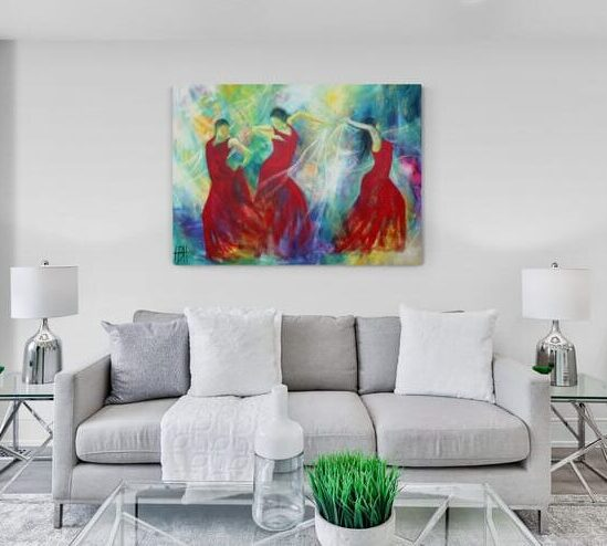 Maleri af dansere med sjal i stuen