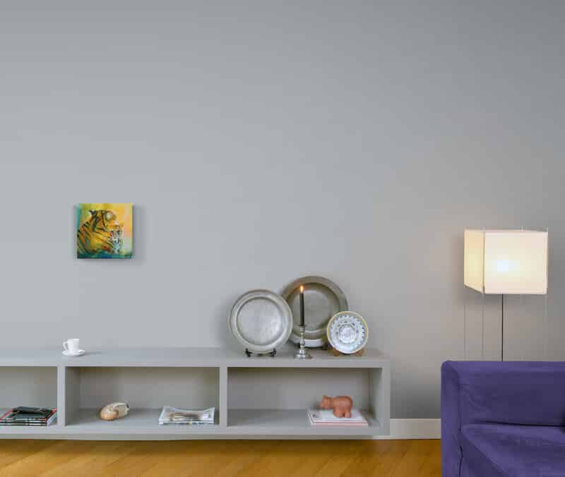 farverigt maleri til væggen