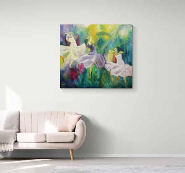 Stort maleri på væggen i stuen