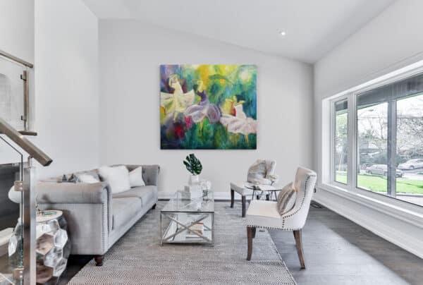Store malerier i stue