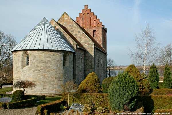 Selsø kirke nær Skuldelev