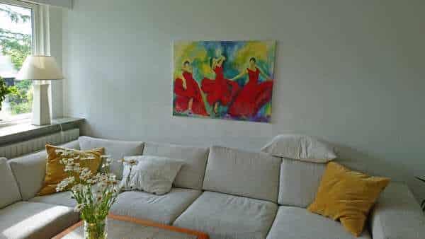 Maleri over sofaen