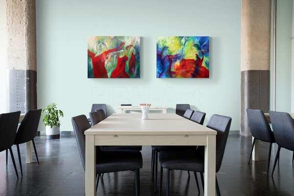Store malerier i stort rum