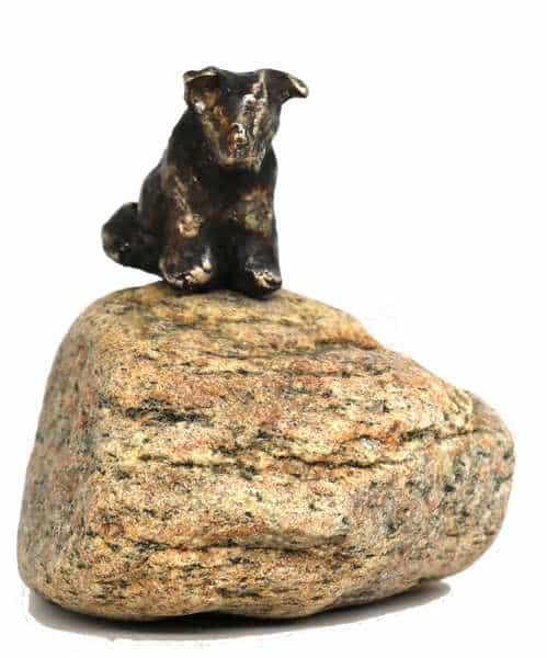 Lille hund i massiv bronze